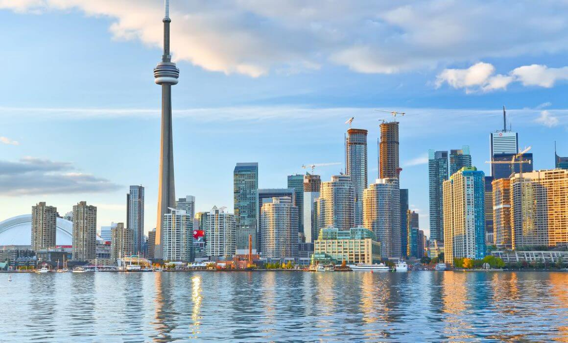a beautiful image of the Toronto Skyline