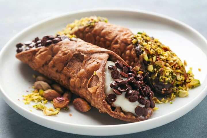 Cannoli is one of the best Italian desserts.